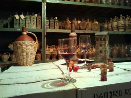 mildiani-family-winery-ceramic-bottles