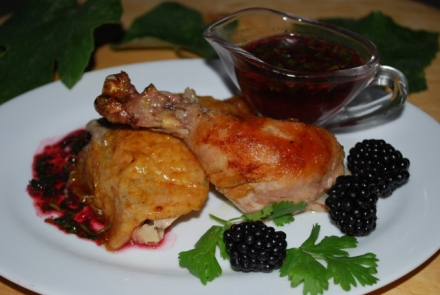 chicken-with-blackberry-and-green-grape-sauce