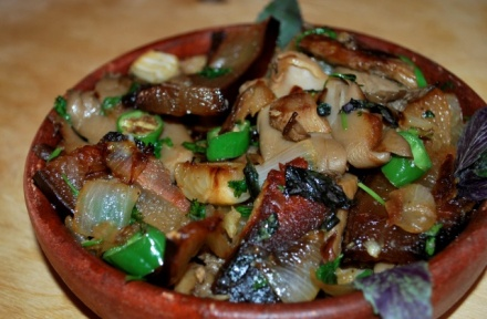 oyster-mushrooms-with-rachuli-bacon