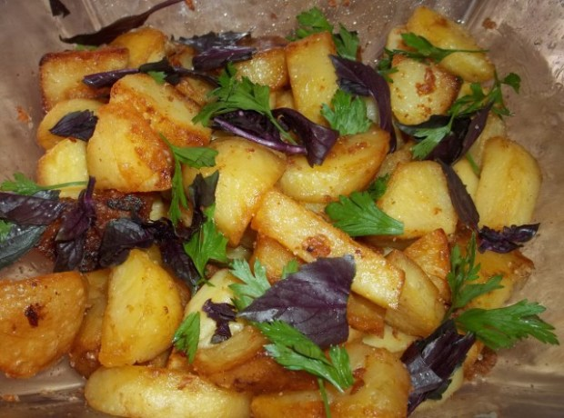 fried-potatoes-with-svanetian-salt